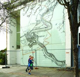 אומנות על זכוכית ציבור