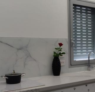 אוניקס זכוכית במטבח