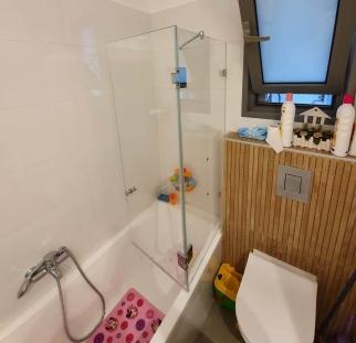 אמבטיון זכוכית שקוף