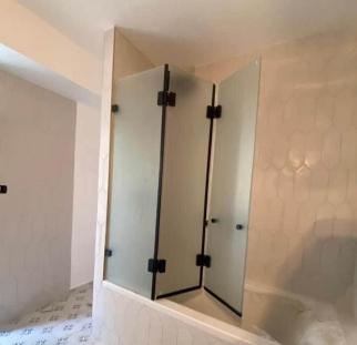 אמבטיון זכוכית (5)