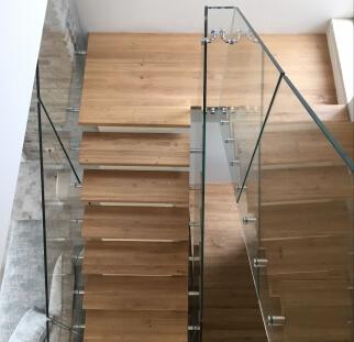 בית בעיצוב אורבני מעוצב זכוכית