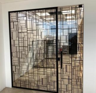 דלתות זכוכית מעוצבות (5)-min