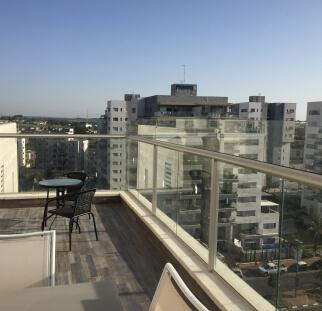 הגבהה מעקה מזכוכית למרפסת  (17)