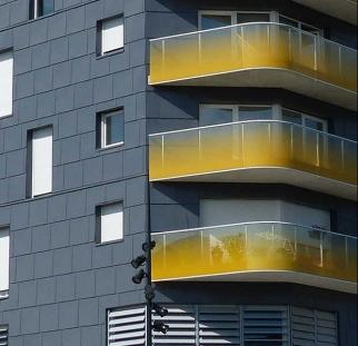 הדפסה קרמית על זכוכית מבנה ציבור
