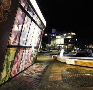 הדפס על חזית זכוכית בגלטריה באוסטרליה