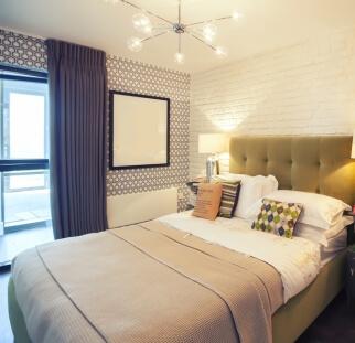 חדר שינה מראה בריקים בזכוכית  (2)