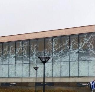 חזות בניין עם חיפוי קיר חוץ