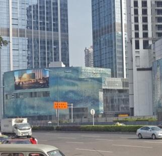 חיפויי קירות במבני חוץ עירוניים