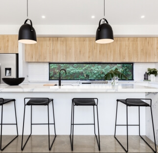 חיפוי מטבח מראה עץ - זכוכית (1)