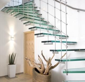 מדרגות זכוכית  (1)
