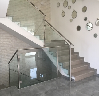 מדרגות זכוכית למדרגות בהתאמה אישית