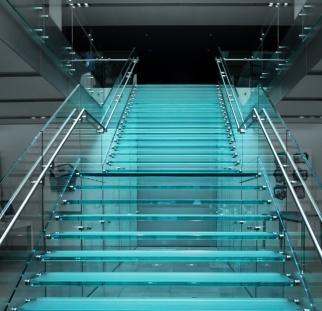 מדרגות זכוכית  (2)