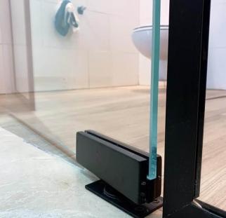 מחיצה ודלת זכוכית לבית  (2)