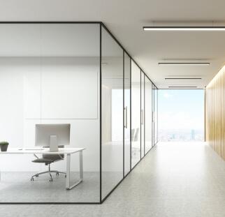 מחיצות זכוכית במשרדים