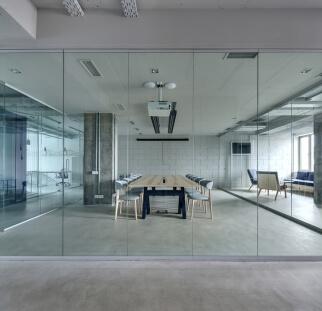 מחיצות זכוכית מעוצבות  (14)