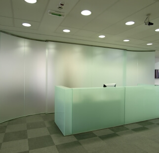מחיצות זכוכית מעוצבות  (38)