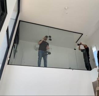מחיצות זכוכית לבית  (1)