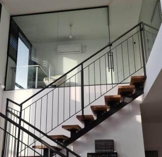 מחיצות זכוכית לבית  (4)
