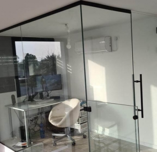 מחיצות זכוכית לבית  (7)