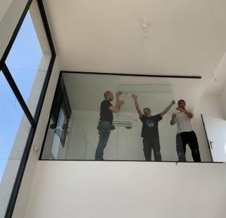 מחיצות זכוכית לבית  (9)
