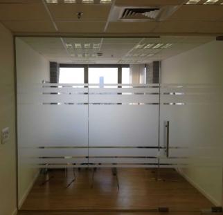 מחיצות זכוכית למשרד (2)