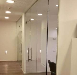 מחיצות זכוכית למשרד (4)