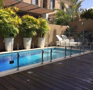 מעקה בטיחות לבריכה בראשון לציון  (2)