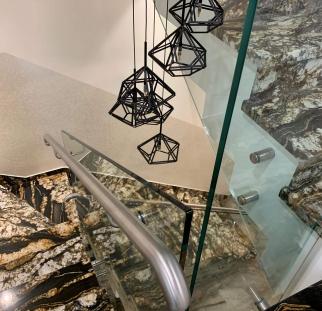 מעקה זכוכית למדרגות (5)