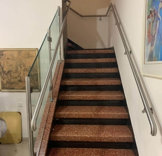 מעקה מדרגות (1)