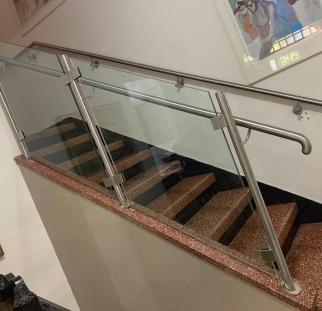 מעקה מדרגות (2)