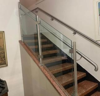 מעקה מדרגות (3)