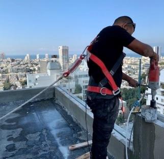 מעקות זכוכית למרפסת  (2)