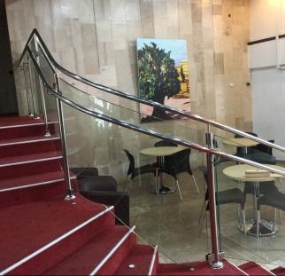 מעקות זכוכית תיאטרון ירושלים  (1)