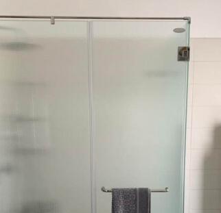 מקלחון חדר אמבטיה