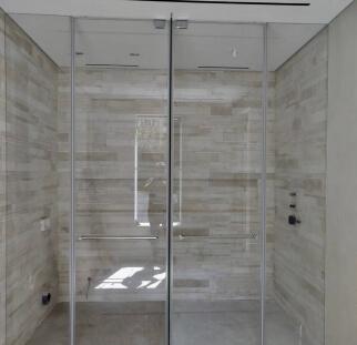 מקלחון יוקרה סגור