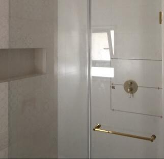 מקלחון פרזול זהב