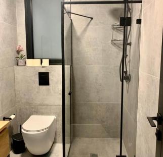 מקלחון זכוכית פינתי (2)