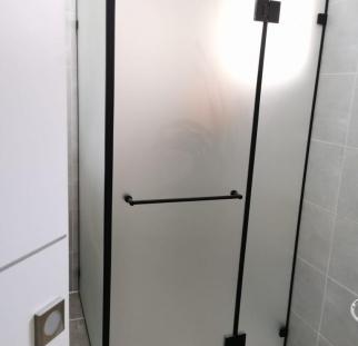 מקלחון זכוכית (1)