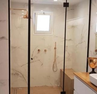 מקלחון זכוכית (2)