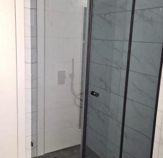 מקלחון פינתי (3)
