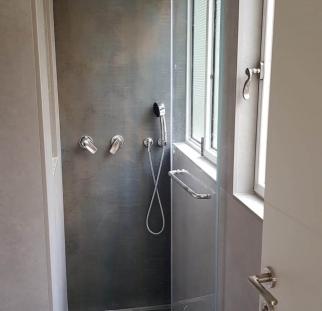 מקלחון 3