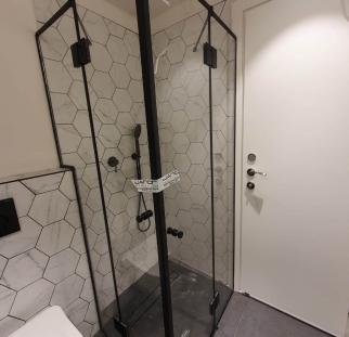 מקלחון 5