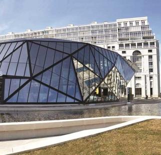 עיצוב מבנה מזכוכית