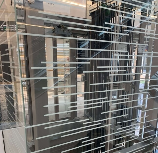 חיפוי זכוכית למעלית  (1)
