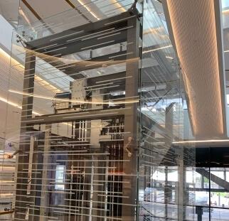 חיפוי זכוכית למעלית  (3)