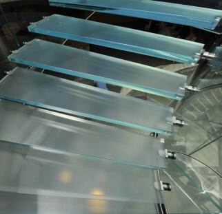 מדרגות זכוכית  (9)